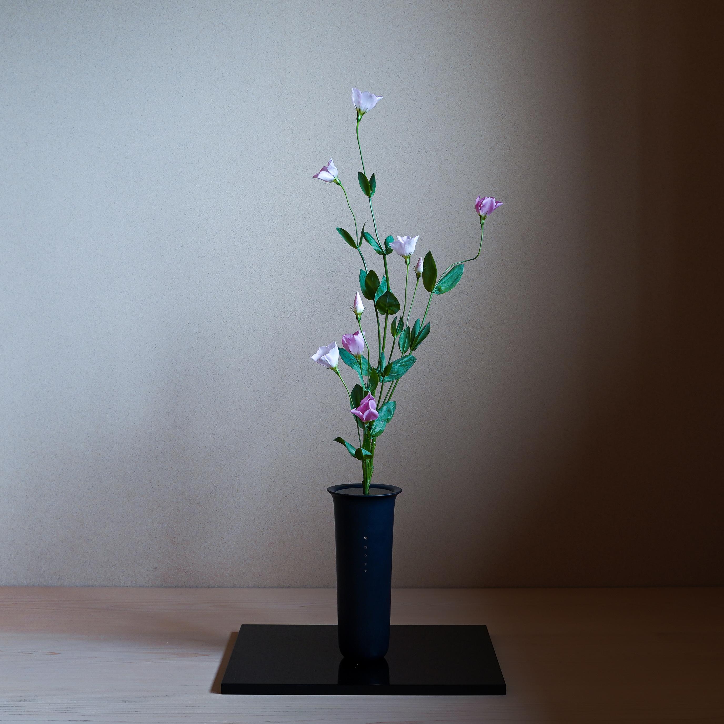 今の花材で生花を楽しむ