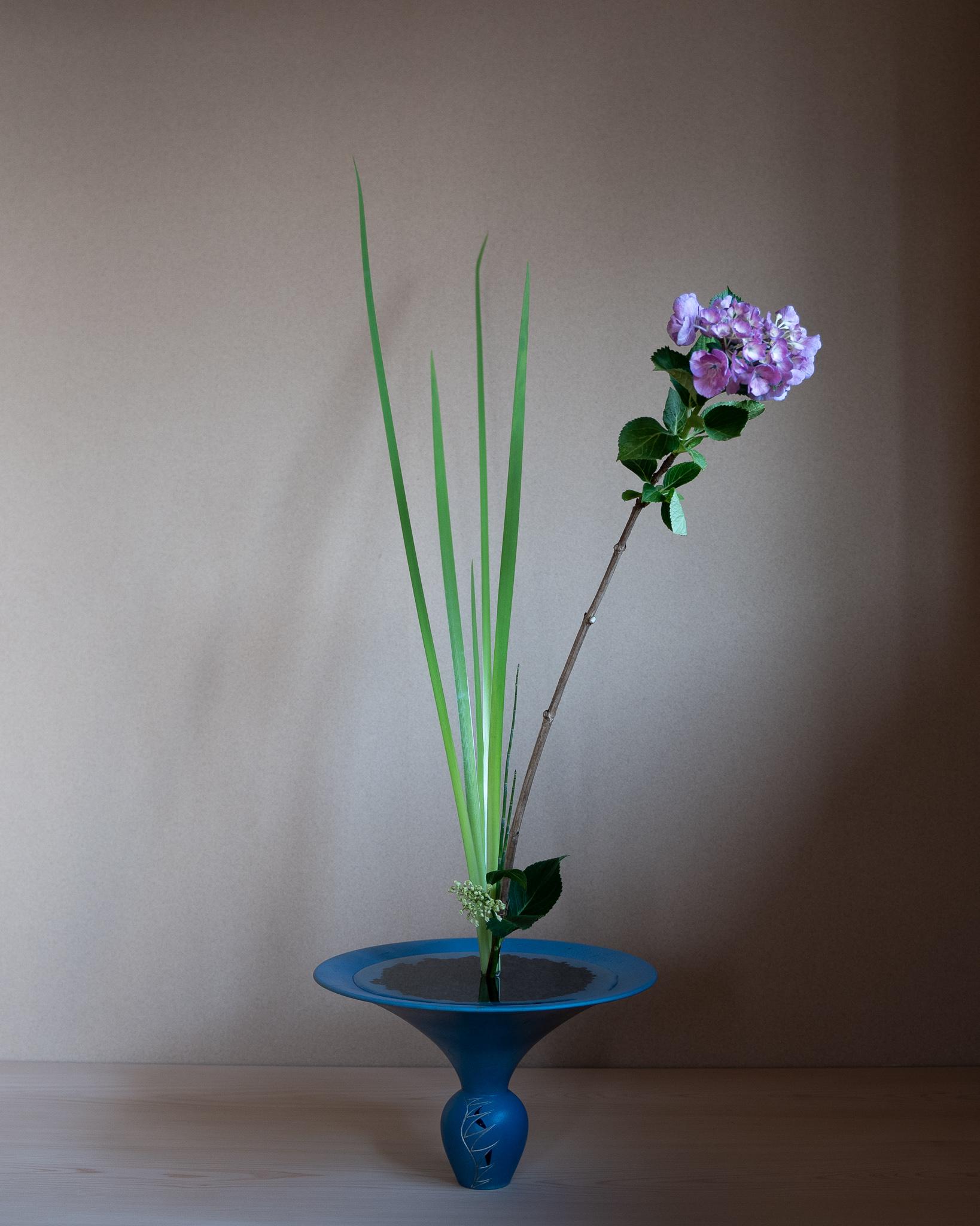 生花新風体 紫陽花、オクロレウカ、とくさ